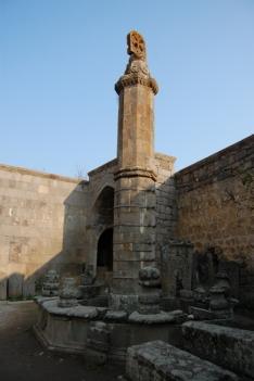 Gavazan column.